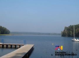 Teren inwestycyjny przy jeziorze